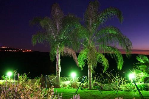 תאורה לילית רומנטית במתחם חלום בגליל (סשה אלכוב)