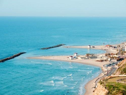 רצועת החוף היפה